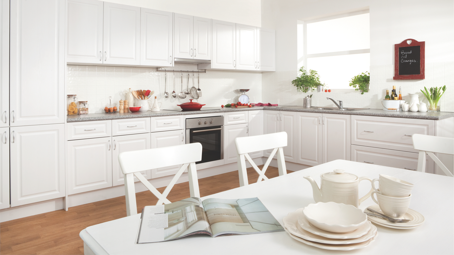 Kitchen gallery a spacious delight kaboodle kitchen for Flat pack kitchens